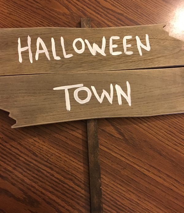 halloween town sign 2