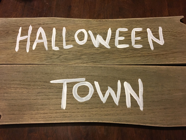 halloween-town-sign-5