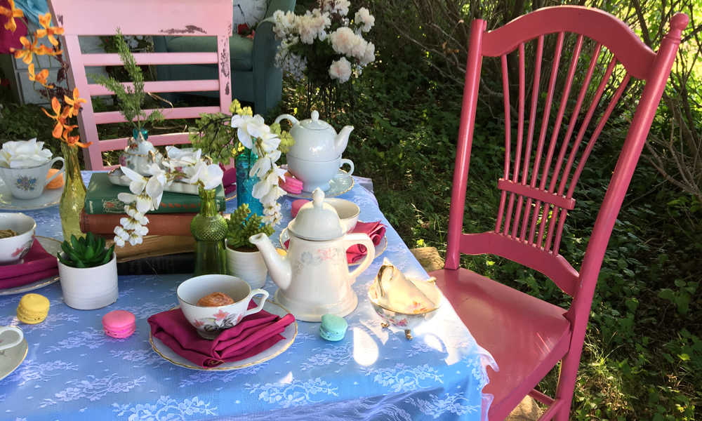 DIY Upcycled Chairs Feature